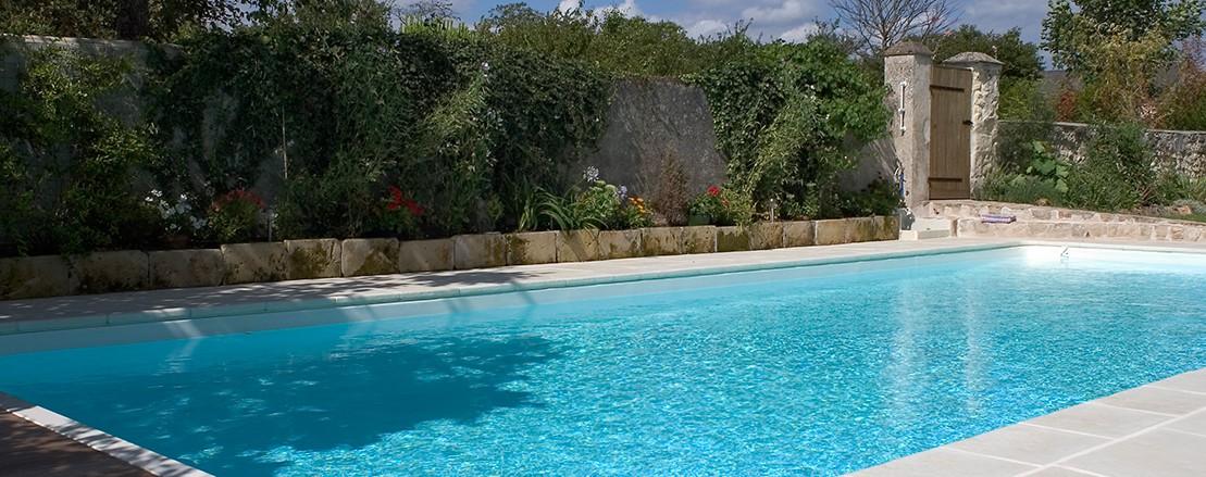 Paysagiste saumur piscine berjamin et fils saumur for Piscine paysage